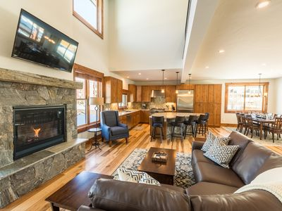 Photo for MOUNTAIN ELEGANCE- Fresh and New - Great Location