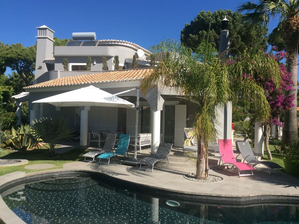 Large luxury detached villa 4 en-suite bedr... - Homelidays