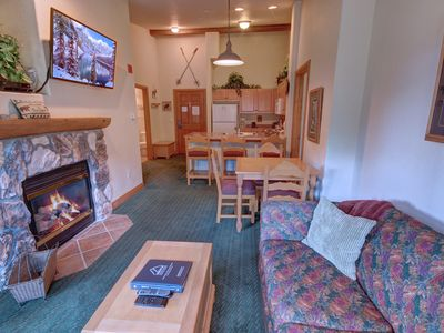Photo for Hidden River Lodge 5995 Slope View, Walk to Slopes, Shared Hot tubs, close to River Run by SummitCove Lodging