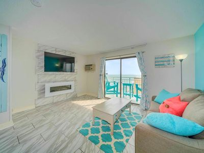 "Photo for BEAUTIFUL RENOVATED King End Unit/Oceanviews/Sleeper Sofa/Fireplace/60"" TV"