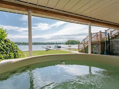 "Photo for ""Lakefront Vacationing at it's Best! HOT TUB Sandy Beach PONTOON BOAT available"