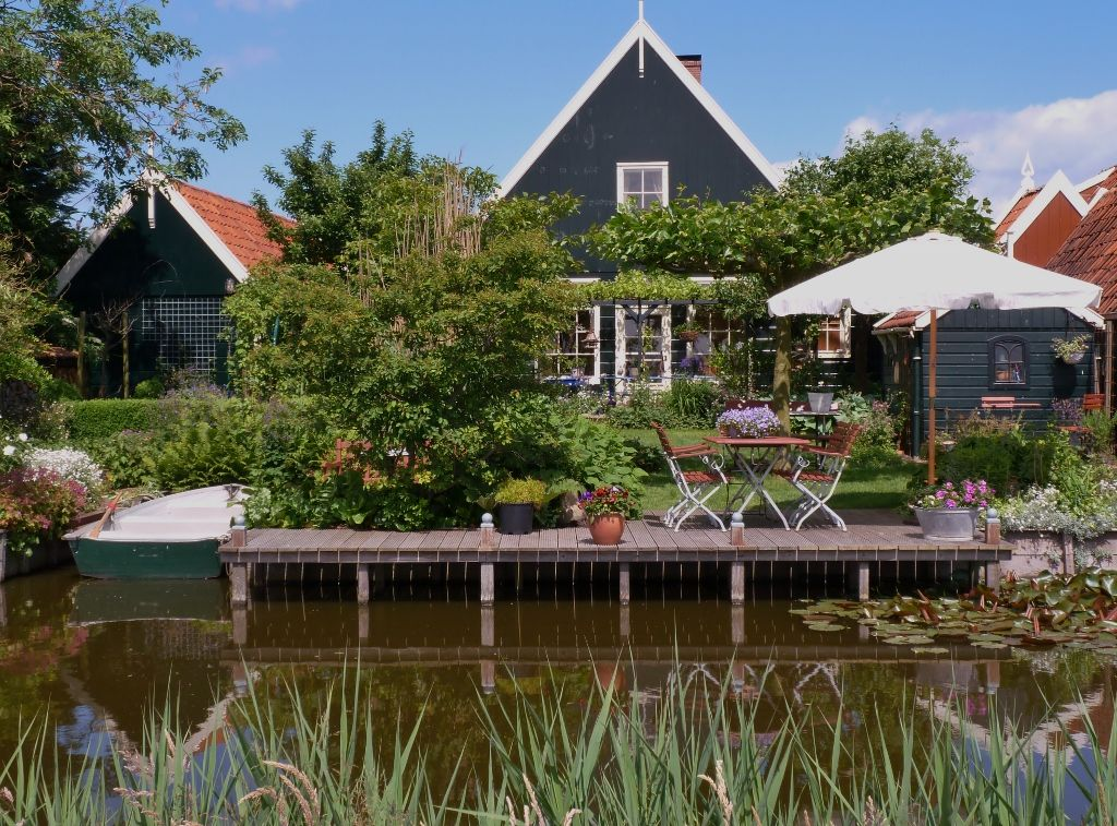 Romance in the picturesque village in the near Amsterdam Photo 1