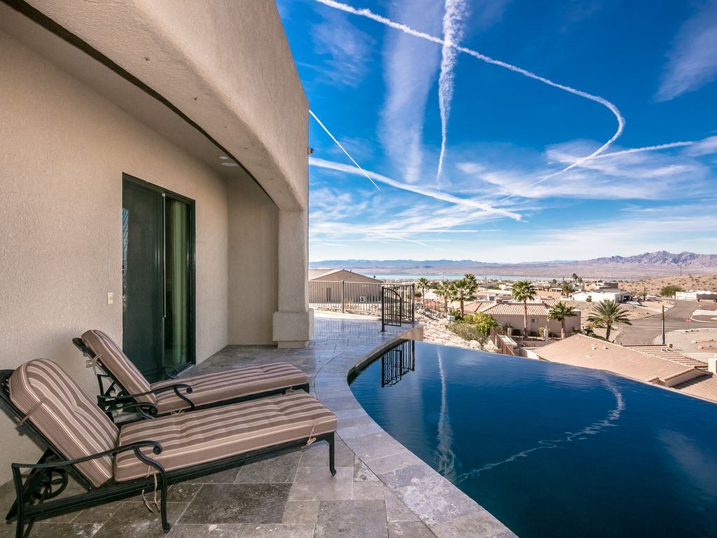 jaw dropping view 2 master suites pool swim up bar spa boat deep garage lake havasu city. Black Bedroom Furniture Sets. Home Design Ideas