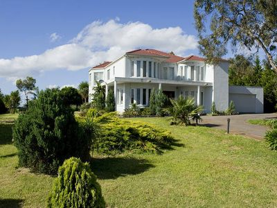 Photo for Large 8 Bdrm Home, Ideal for Extended Stays Near Mel Airport