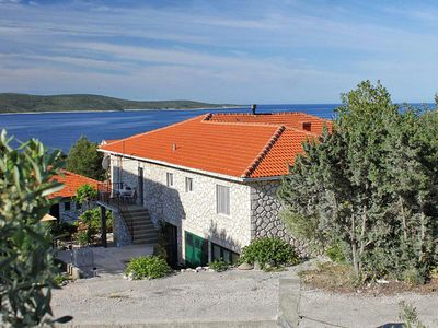 Photo for Apartment in Zavala (Hvar), capacity 4+2