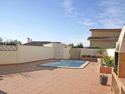 Photo for Beautiful villa with private pool 10 minutes from the beaches in L'Escala