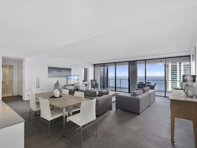 Photo for Surfers Paradise Sub Penthouse with Ocean Views