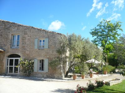 Photo for Mansion of the 17th century located 8 Km from Saint Remy de Provence.