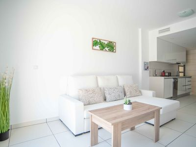 Photo for BRAND NEW STUNNING GROUND FLOOR APARTMENT WITH JACUZZI