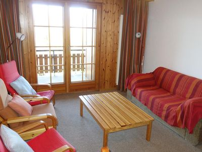 """Photo for 2*, 1-bedroom-apartment for 4-6 people located at the bottom of the piste of """"l'Ours"""". Entrance hall"""
