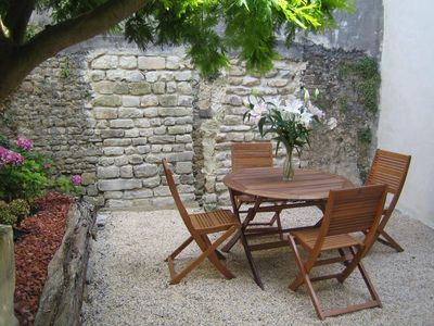 Photo for 2/4 people in the heart of Bayeux with private garden