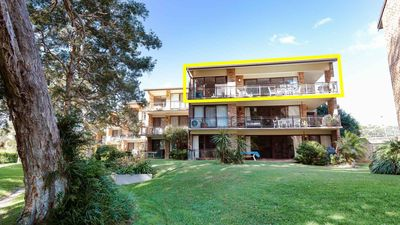 Photo for Bay Parklands, 68/2 Gowrie Ave - aircon, pool, tennis court, communal spa
