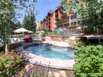 Photo for Ski-in/Ski-out Vail Hotel Room. King Bed, Mountain View, Hot Tub, Pool