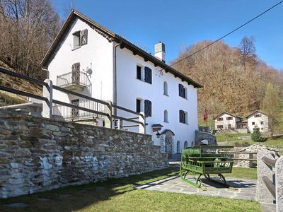 Photo for Apartment Casa Strebel  in Leontica (TI), Ticino - 6 persons, 3 bedrooms