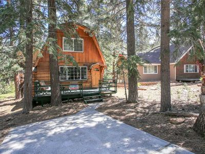 Photo for Alpine Haus - Walk to Ski Resort, Fireplace, Netflix, FREE 2 hour Bike/Kayak Rental