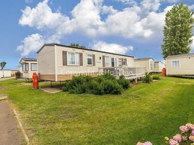 Photo for 8 berth caravan for hire with decking at Heacham Holiday Park,Norfolk ref 21040T