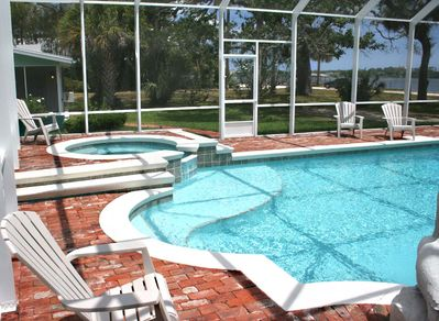 Pool with shallow area for kids and Jacuzzi.  Shallow area is 18 inches.