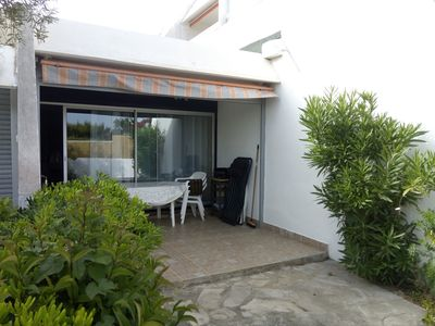 Photo for Bright quiet garden floor, sea view, 200m walk from the sea in wooded park