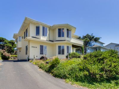 Photo for Updated family-friendly home with ocean views, chef's kitchen, game room