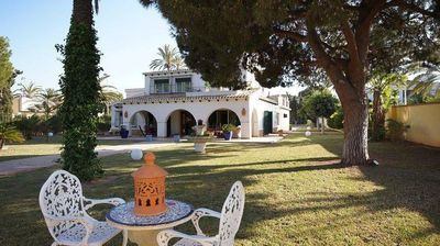Photo for Mediterranean villa with private pool at 50 meters from the beach in Cabo Roig