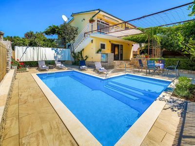Photo for Vacation home Haus Martina  in Vinisce, Dalmatia - 10 persons, 4 bedrooms