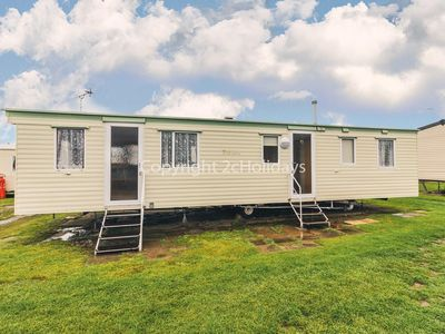 Photo for 8 berth caravan for hire at California Cliffs near Great Yarmouth ref 50009F