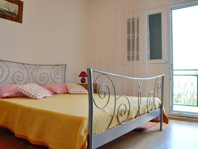 Photo for One bedroom apartment with terrace and sea view Poljica (Trogir)