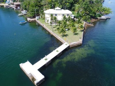 Photo for Ang036 - Mansion with six suites on Cavaco Island in Angra dos Reis