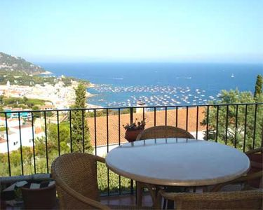 Photo for 3 bedroom Apartment, sleeps 5 with Pool, WiFi and Walk to Beach & Shops