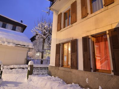 Photo for In the heart of Chamonix, cozy apartment in country house.