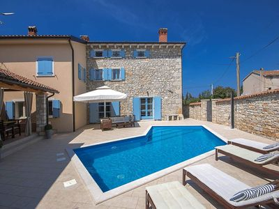 Photo for Holiday house Perci for 8 persons with 4 bedrooms - Villa