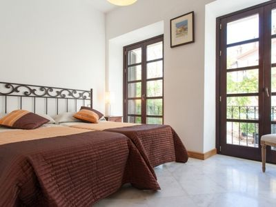 Photo for Apartment in the center of Seville with Internet, Air conditioning, Terrace, Washing machine (462958)