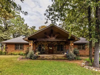 Relaxing 4br kingston house in private sett vrbo for Lake texoma cabins with hot tub