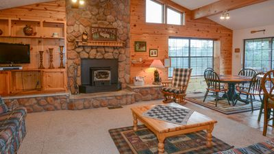 """Photo for Upper Canyon Lodging Co - """"Hughes Cabin"""" - A long time Favorite - Private setting in Upper Canyon"""