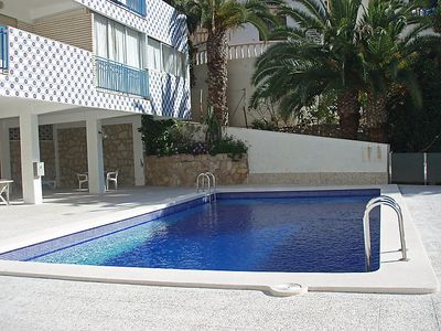 Photo for One bedroom Apartment, sleeps 2 with Pool, WiFi and Walk to Beach & Shops