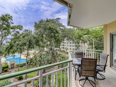 Photo for Gorgeous 1 bedroom villa with ocean and pool views!
