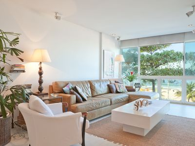 Photo for Beautiful apartment in the heart of Leblon