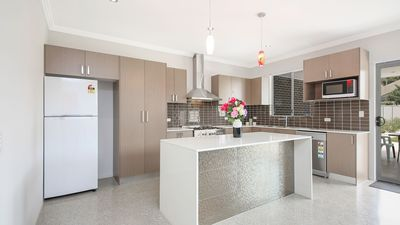Photo for 6 Bdrm Modern Home, 30 min to Sydney CBD, Sleeps 10 - Great Rates for Groups