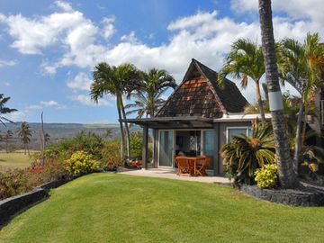 Private Oceanfront Condo Punaluu Black Sand Beach