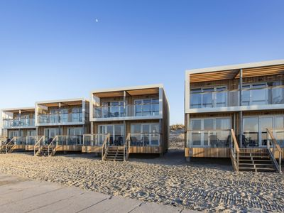 Photo for 4-6-person beach villa in the holiday park Landal Beach Villa's Hoek van Holland - on the coast/the beach