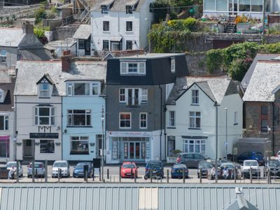 Photo for Apartment Quay in Looe - 2 persons, 1 bedrooms