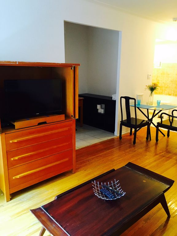Downtown Montreal Fully furnished apartment with WIFI