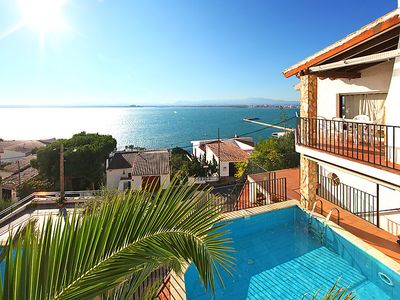 Photo for 4 bedroom Villa, sleeps 8 in Roses with Pool and WiFi