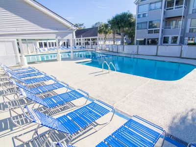 Photo for Myrtle Beach Condo With on-site Pool, Jacuzzi, Bar&Grill, 5 min walk to beach