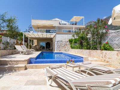 Photo for Ideal Central Location  Modern Three Bedroom Duplex Apartment