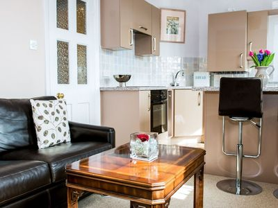 Photo for Cosy apartment for 2 guests with WIFI, TV and parking