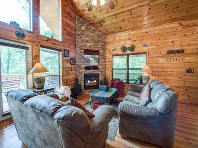 Photo for Our Mountain Getaway, 3 Bedrooms, Sleeps 12, Hot Tub, 2 Jacuzzis, WiFi