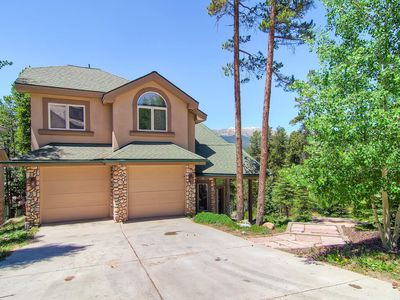 Photo for Perfect Home for Large Groups, Hot Tub, Free Shuttle, Home Theater: Aspenglow Chalet