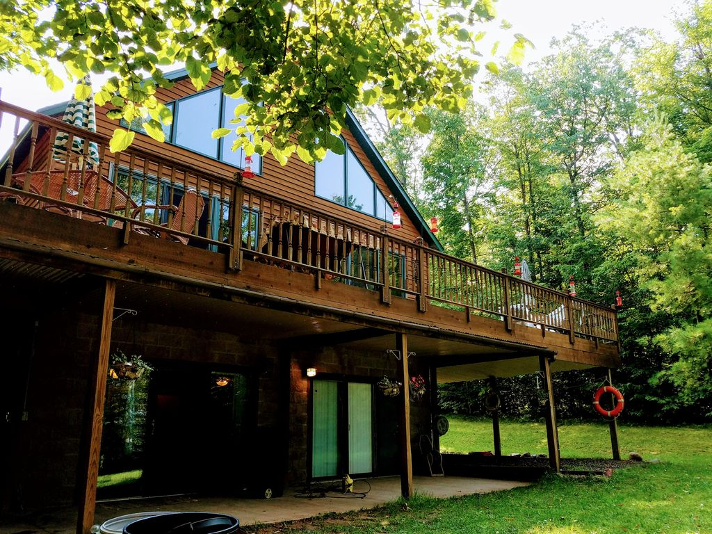 sleeps chateau tudor special rental country build cabins nights geneva rentals manor lake cabin white book house august in get wolf