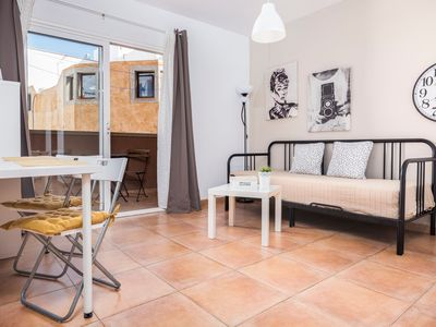 """Photo for Central Apartment """"Céntrico Playa Corralejo 2"""" Close to the Beach with Balcony & Wi-Fi; Street Parking Available"""